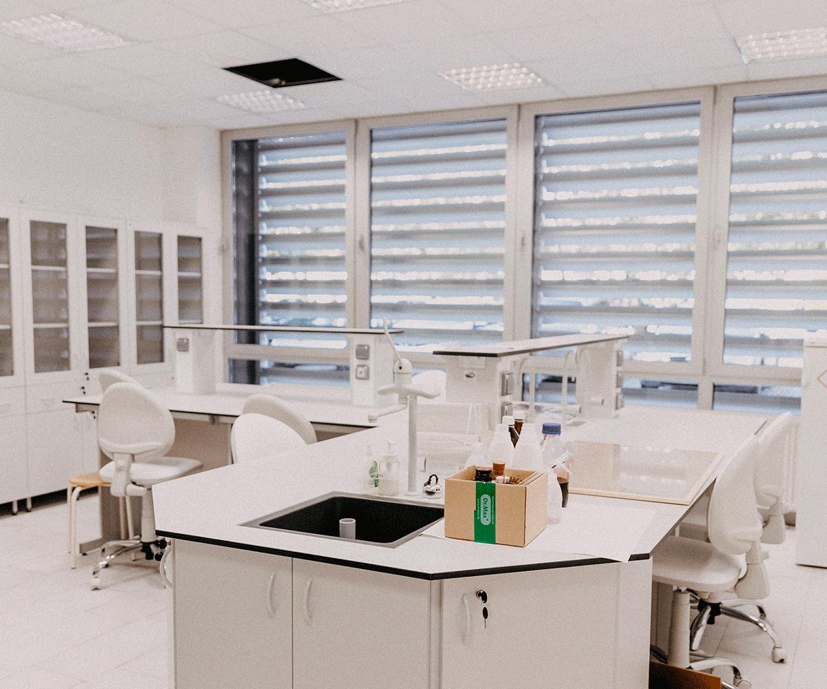 Nettoyage industriel laboratoire médecine